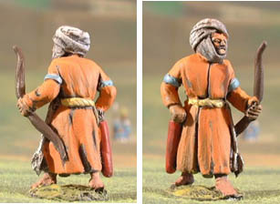 C16 Sudanese ghulam infantry in long robe with bow