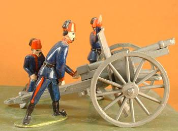 LWT 4 Artillerists standing, LWT 5 Artillerists/MG crew kneeling,LWT 6 Artillerists/MG Officer, LWT 7 Krupp field gun