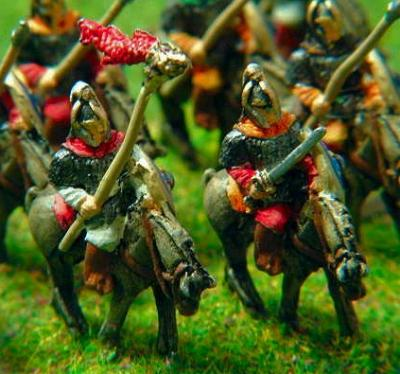 Gothic/Lombard Heavy Cavalry with Standard Bearer (V75, V78)