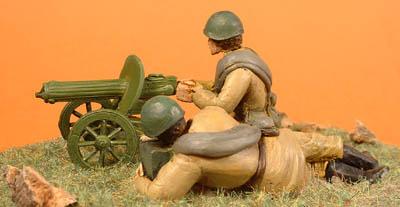 Russian Maxim machine gun with 2 crew (of helmet)